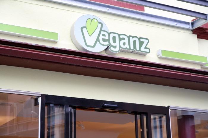 der vegane supermarkt veganz nun auch in frankfurt am main. Black Bedroom Furniture Sets. Home Design Ideas