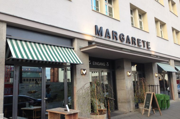 margarete in frankfurt the place to be an sonntagen. Black Bedroom Furniture Sets. Home Design Ideas
