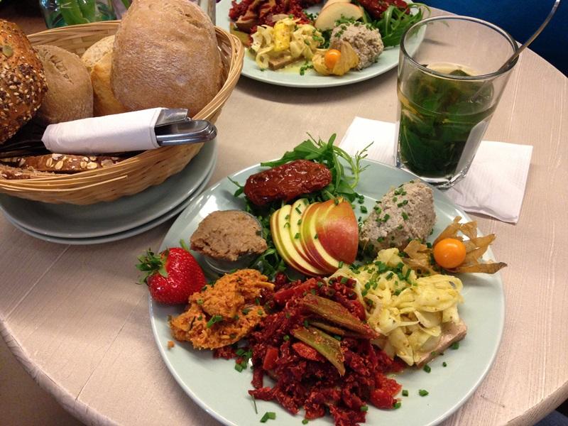 veganes vergn gen bei pauline in hamburg deutschland is s t vegan. Black Bedroom Furniture Sets. Home Design Ideas