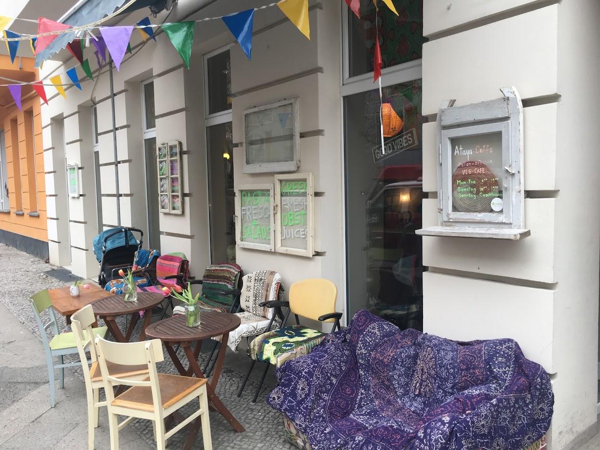 Ataya Caffe von außen