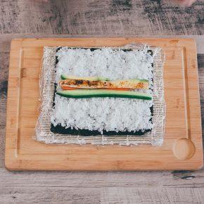 Veganes Sushi mit Gurke