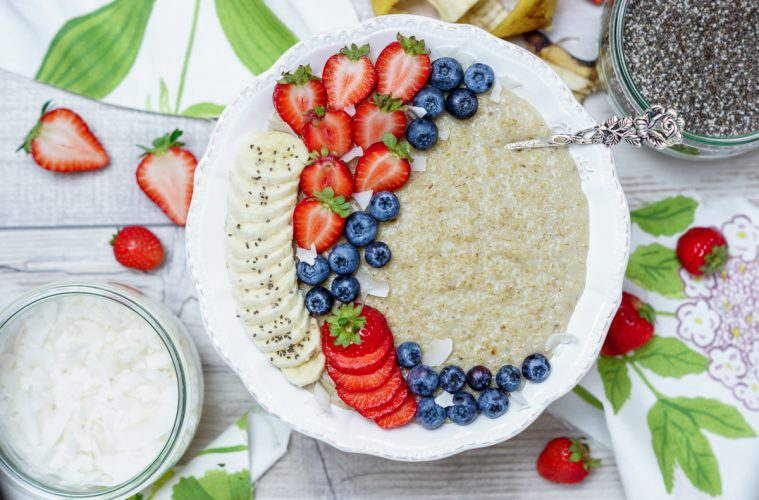 Veganes Porridge Rezept mit Kokosmilch - Vegan frühstücken ...