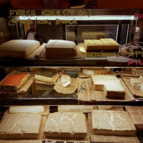 veganer-kaese-bangkok-barefood-theke-thailand