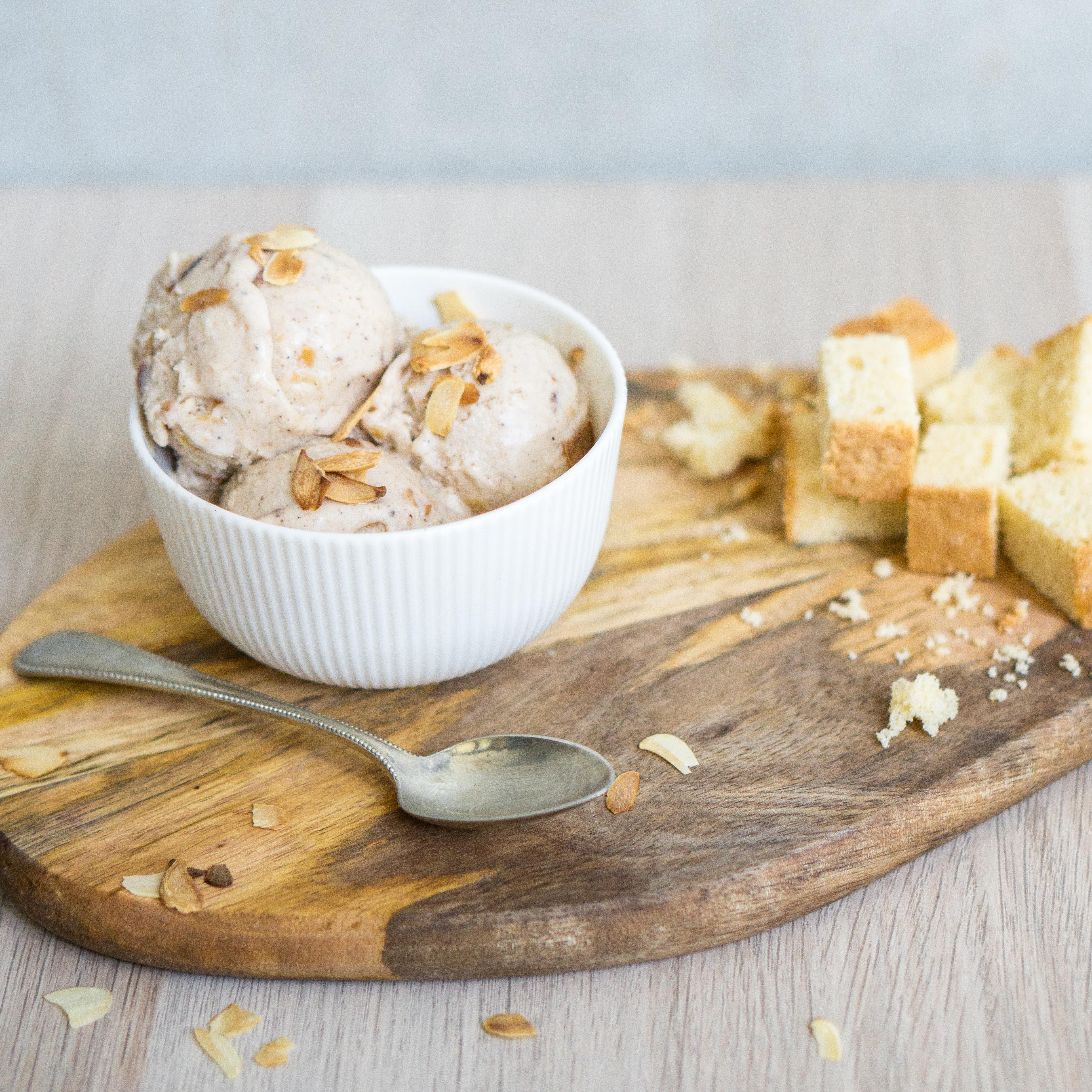 Vanille-Mandel-Eis