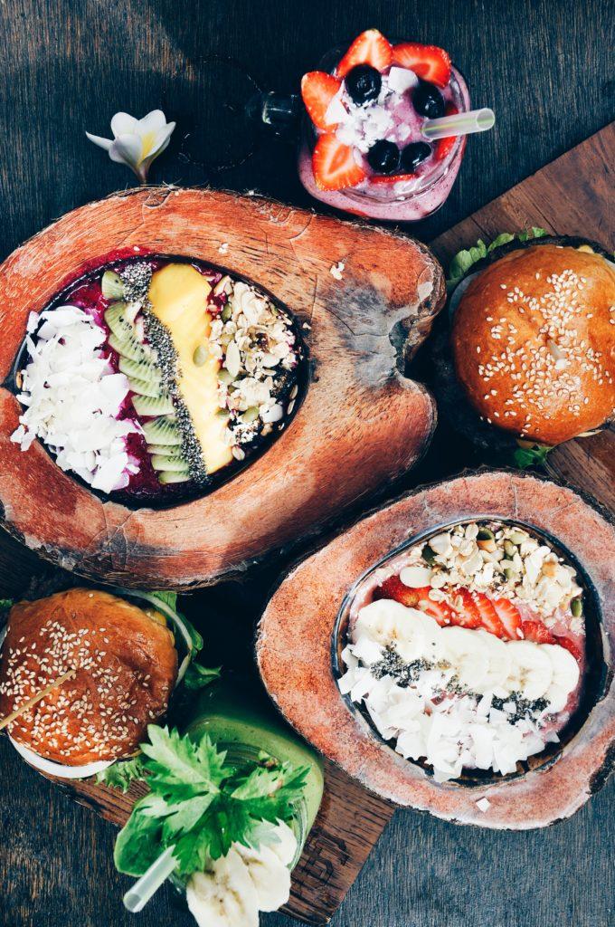 Vegan Reisen_fruit_bowl_wooden