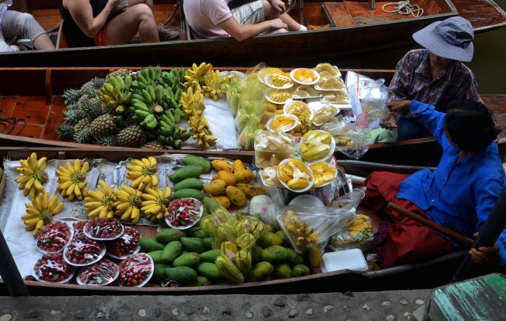 Vegan reisen_fruit boats