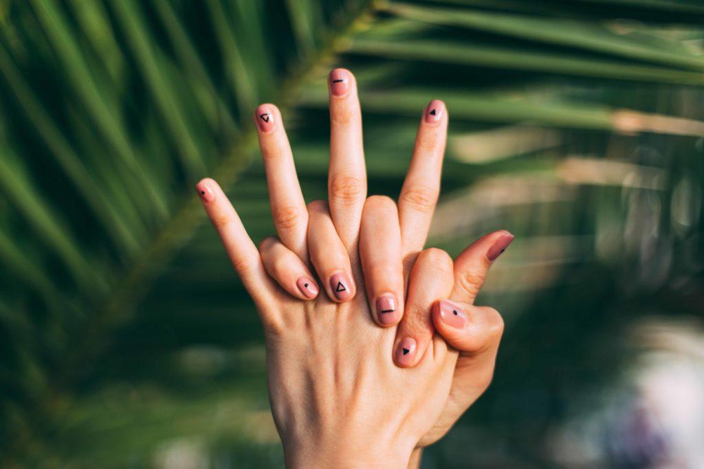 vegan Nägel lackieren