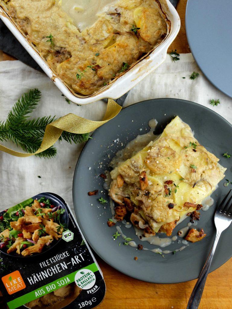 Deftiger Kartoffel-Hähnchen-Auflauf für dein veganes Weihnachtsmenü