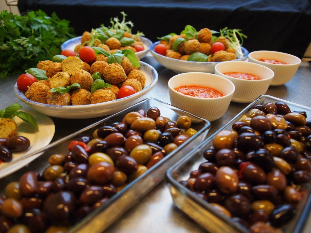 Spanien Vegan Reisen_Oliven Falafel Tapas
