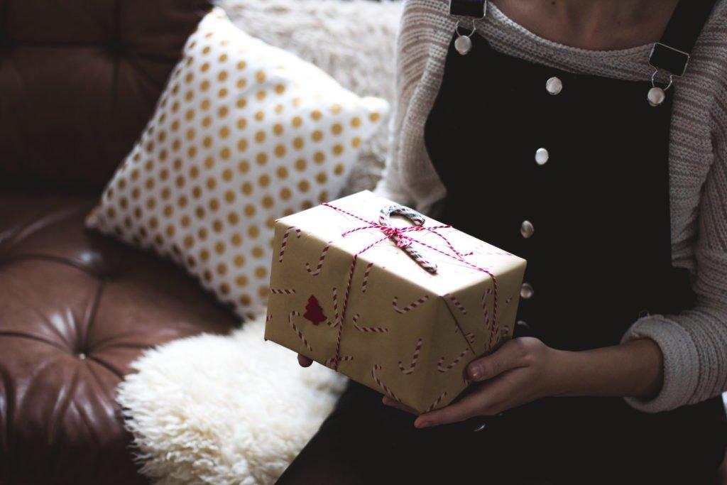 Nachhaltige Geschenke verpackst du am besten umweltbewusst