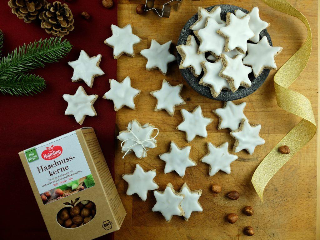 Vegane Zimtsterne mit Haselnüssen von Keimling vegane Weihnachtsplätzchen