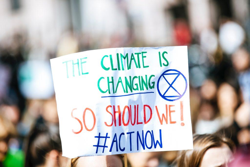 klimaprotest_schild_unsplash