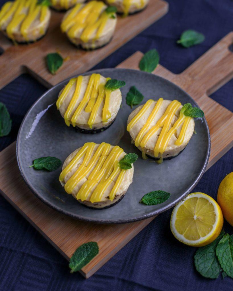 Vegane Mini Käseküchlein mit Lemoncurd