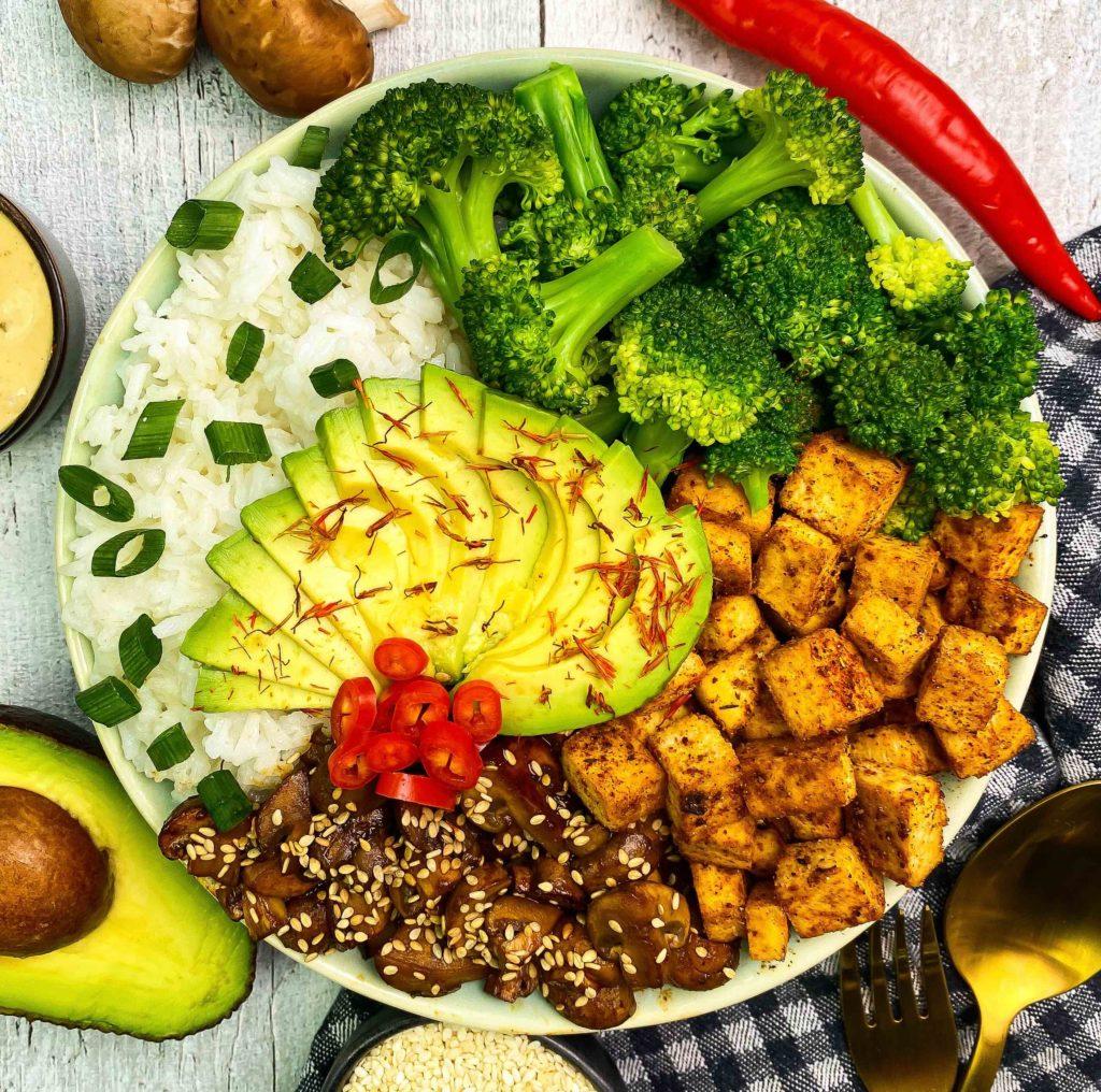 proteinreiche Bowls High protein buddha bowl