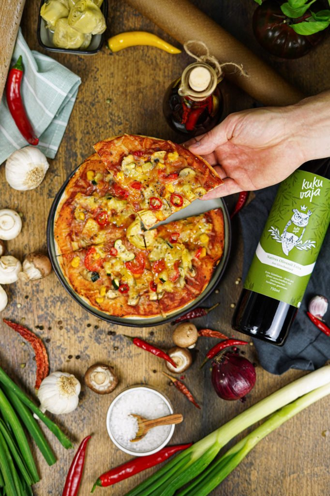 vegane Pizza mit Chiliöl
