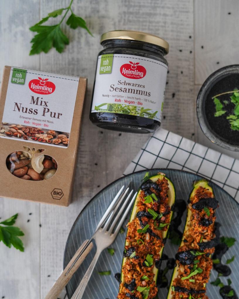 Gefüllte-Zucchini Veganer Notvorrat für den Katastrophenfall Nussmus