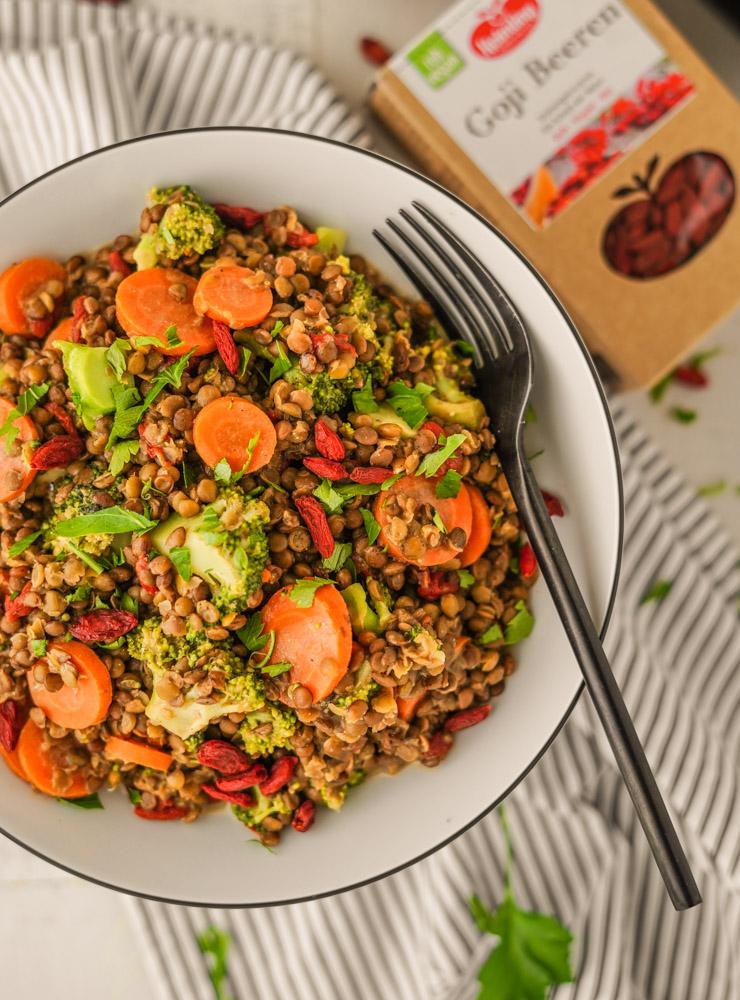 Veganer Salat mit Linsen